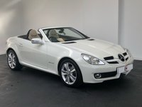 USED 2010 10 MERCEDES-BENZ SLK 1.8 SLK200 KOMPRESSOR 2d AUTO 184 BHP STUNNER IN WHITE WITH LOW MILES + CREAM LEATHER