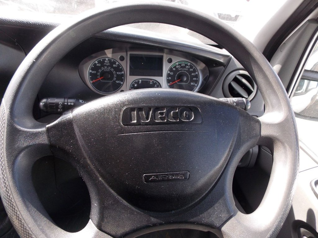 USED 2011 61 IVECO DAILY 2.3 35S11 1d 106 BHP