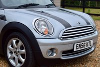 USED 2006 56 MINI HATCH COOPER 1.6 COOPER 3d AUTO 118 BHP £4K UPGRADES! 9 SERVICES, 3 OWNERS, LONG MOT, SENSORS, HEATED SEATS, LOOKS WELL!