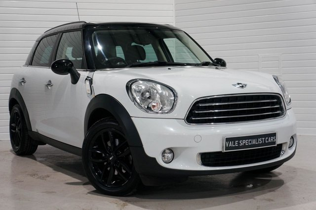 2013 13 MINI COUNTRYMAN 1.6 COOPER D 5d (SAT NAV / PANORAMIC SUNROOF)