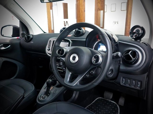 SMART FORTWO at WR Car Sales