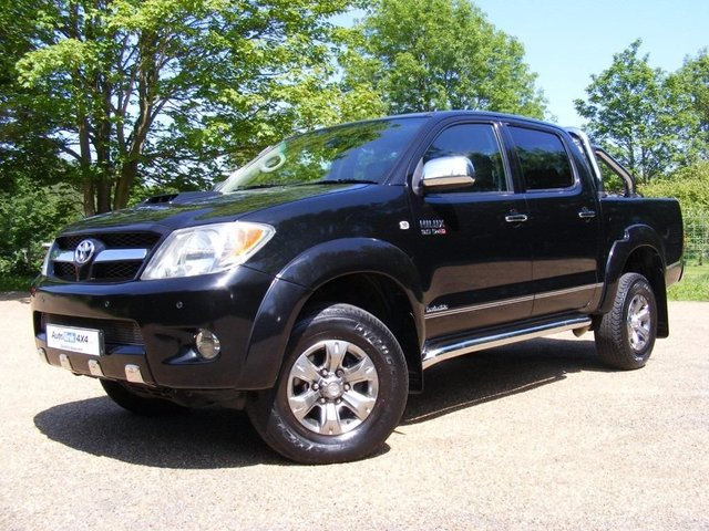 2008 08 TOYOTA HI-LUX Invincible D-4d 4x4 Double Cab Leather+Roller Cove