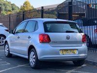 USED 2010 10 VOLKSWAGEN POLO 1.2 S A/C 5d 60 BHP STUNNING REFLEX SILVER METALLIC, LOVELY GREY CLOTH INTERIOR, UPGRADED STEREO, AIR CONDITIONING, LADY OWNER, IDEAL FIRST CAR, RECENTLY SERVICED, DRIVES WELL