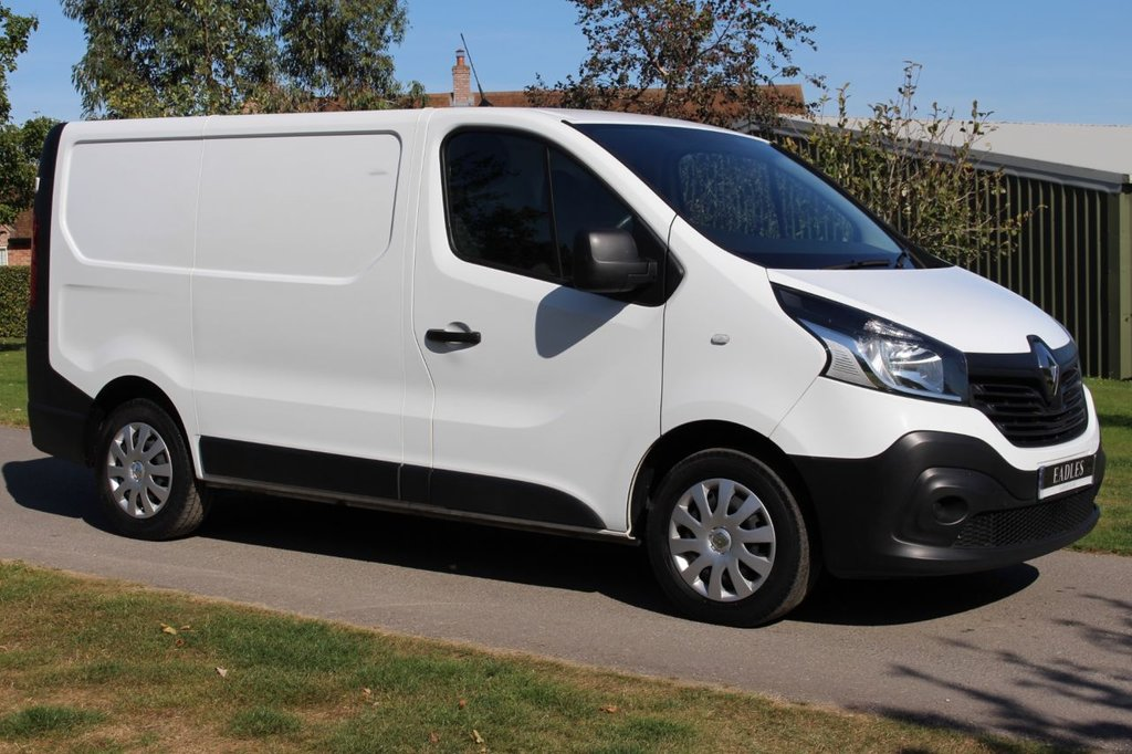 USED 2015 15 RENAULT TRAFIC 1.6 SL27 BUSINESS DCI S/R P/V 1d 115 BHP 12 MONTH MOT AIR CON WARRANTY INCLUDED