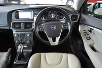USED 2013 13 VOLVO V40 1.6 D2 SE LUX NAV 5d 113 BHP ** FULL SERVICE HISTORY **