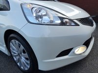 USED 2009 09 HONDA JAZZ  RS 1.5 IVETC CVT Transmission Exceptionally Clean Car In Pearl Metallic White, Super High Specification