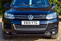 USED 2013 13 VOLKSWAGEN TOUAREG 3.0 V6 ALTITUDE TDI BLUEMOTION TECHNOLOGY 5d AUTO 242 BHP FSH, 2 OWNERS, NAV, HEATED LEATHER AND STEERING WHEEL, DAB, B'TOOTH!