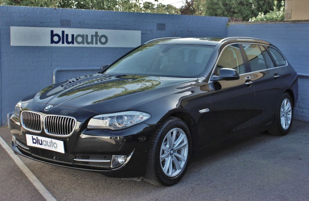 USED 2012 62 BMW 525d 2.0 SE TOURING 5d AUTO 215 BHP 2 Owners, Full BMW History, Power Tailgate, Dual Climate & Cruise Control, Sat Nav, Rev Camera, Front/Rear Sensors, DAB Radio, Bluetooth Connectivity, Full Leather Interior, Heated Front Seats.