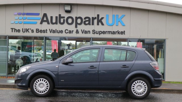 USED 2009 59 VAUXHALL ASTRA 1.6 LIFE A/C 5d 114 BHP * GREAT VALUE AT OUR LOW PRICE *