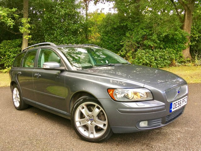 2007 56 VOLVO V50 2.0 D SE 5d 135 BHP X 11 SERVICE STAMPS/FULL GREY LEATHER/ELECTRIC SUNROOF/REAR PARK ASSIST
