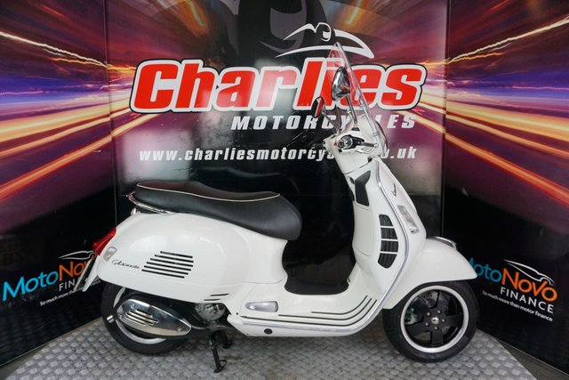 View our PIAGGIO VESPA
