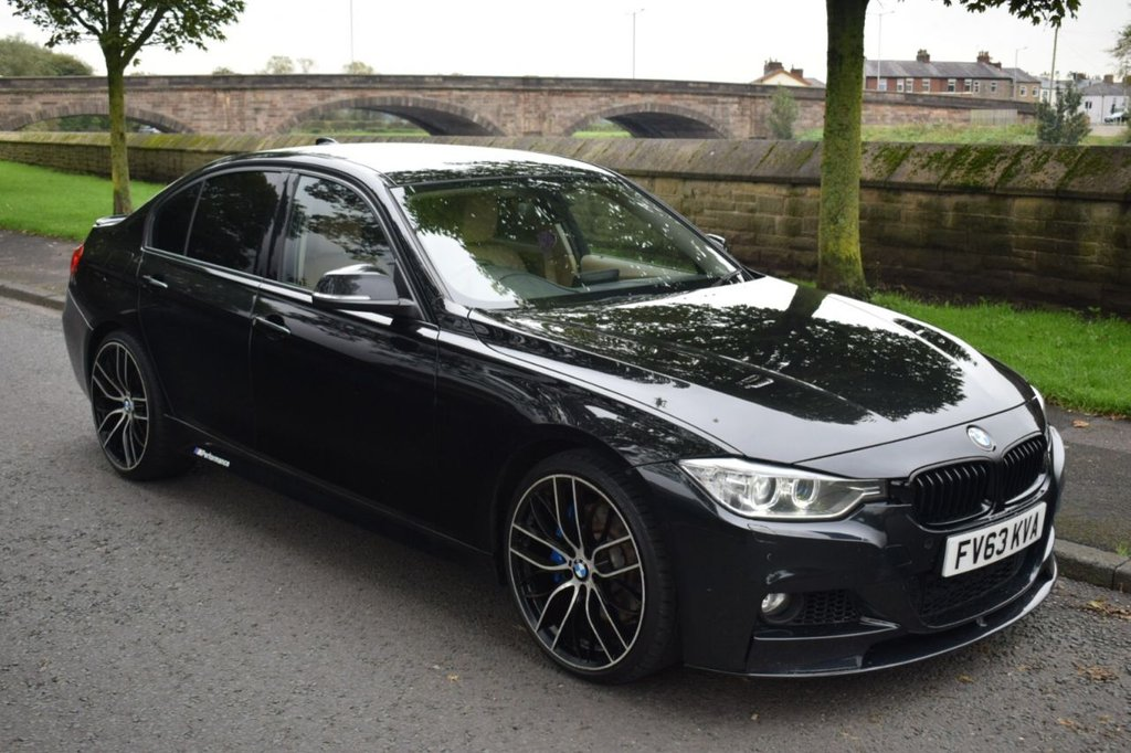 USED 2013 63 BMW 3 SERIES 3.0 335I LUXURY 4d AUTO 302 BHP SERVICE HISTORY, SPORTS LEATHER SEATS, HEATED, BIG ALLOYS, REAR PRIVACY GLASS, M SPORT STYLING