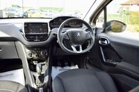 USED 2017 17 PEUGEOT 208 1.2 PURETECH BLACK EDITION 3d 82 BHP BLUETOOTH, CRUISE, DAB RADIO! NEW SERVICE AND LOW INSURANCE GROUP
