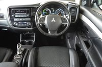 USED 2015 65 MITSUBISHI OUTLANDER 2.0 PHEV GX 3H 5d AUTO 162 BHP ** ZERO TAX **