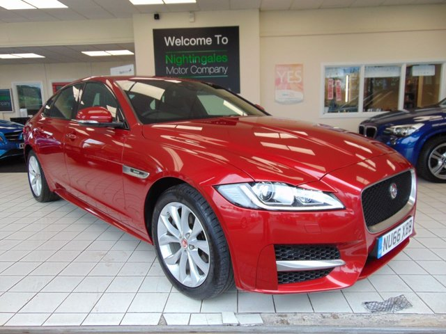 USED 2016 66 JAGUAR XF 2.0 R-SPORT 4d AUTO 177 BHP SATELLITE NAVIGATION + BLUETOOTH + FRONT AND REAR PARKING SENSORS + CLIMATE CONTROL + CRUISE CONTROL + ALLOYS + PRIVACY GLASS + DAB RADIO + REMOTE CENTRAL LOCKING + LOW MILEAGE