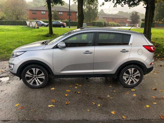 USED 2012 62 KIA SPORTAGE 1.7 CRDI 3 5d 114 BHP Kia Sportage 3 CRDI 1.7 DIESEL . VERY CLEAN THROUGHOUT , LOOKS AND DRIVES SUPERB .MOT AND SERVICE IN AUGUST 2019 .  COMES WITH SERVICE HISTORY , TWIN SUNROOF, FULL HEATED LEATHER INTERIOR  , 2 KEYS , BLUETOOTH , USB , CRUISE CONTROL , CLIMATE CONTROL , AIR CON , UPGRADED CD ENTERTAINMENT SYSTEM AND MUCH MORE . FOR FURTHER INFORMATION AND OR TO RESERVE / TEST DRIVE THIS VEHICLE PLEASE CALL A MEMBER OF OUR FRIENDLY SALES TEAM ON 01332 482800 WHO WILL BE HAPPY TO HELP .