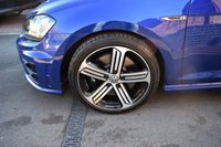 USED 2015 15 VOLKSWAGEN GOLF 2.0 R TSI 5d 306 BHP DSG SIMPLY STUNNING CONDITION - ONLY 6500 MILES FROM NEW - DSG - NAV - LEATHER - DYNAMIC CHASSIS CONTROL - HEATED SEATS - PRIVACY GLASS