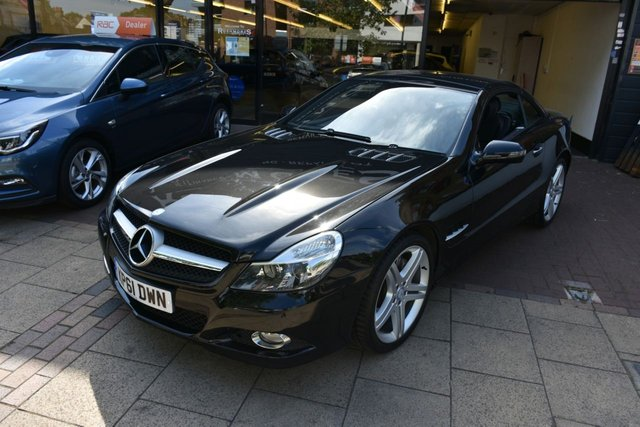 USED 2011 61 MERCEDES-BENZ SL 3.5 SL350 2d AUTO 315 BHP FULL MERCEDES SERVICE HISTORY,  1 PREVIOUS OWNER, SAT NAV, BLUETOOTH PHONE, FULL LEATHER HEATED SEATS