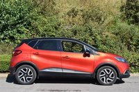USED 2017 17 RENAULT CAPTUR 1.5 SIGNATURE NAV DCI 5d AUTO 90 BHP STUNNING METALLIC ORANGE PAINT WORK, GLOSS BLACK ROOF, MIRROR CAPS, POLISHED SILVER GLOSS BLACK ALLOYS, SAT NAV, REVERSE CAMERA, BLACK LEATHER, CRUISE CONTROL, TOP OF THE RANGE, LOW ROAD TAX