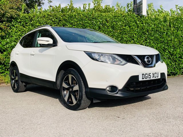 """USED 2015 15 NISSAN QASHQAI 1.2 N-TEC PLUS DIG-T 5d 113 BHP Sat Nav, Panoramic Roof, Bluetooth, 18"""" Diamond Cut Alloy Wheels, Reverse Camera, Privacy + Tinted Glass, Front + Rear Parking Sensors, Finished In Pearl Metallic Paintwork, Drive Away In Under 1 Hour"""