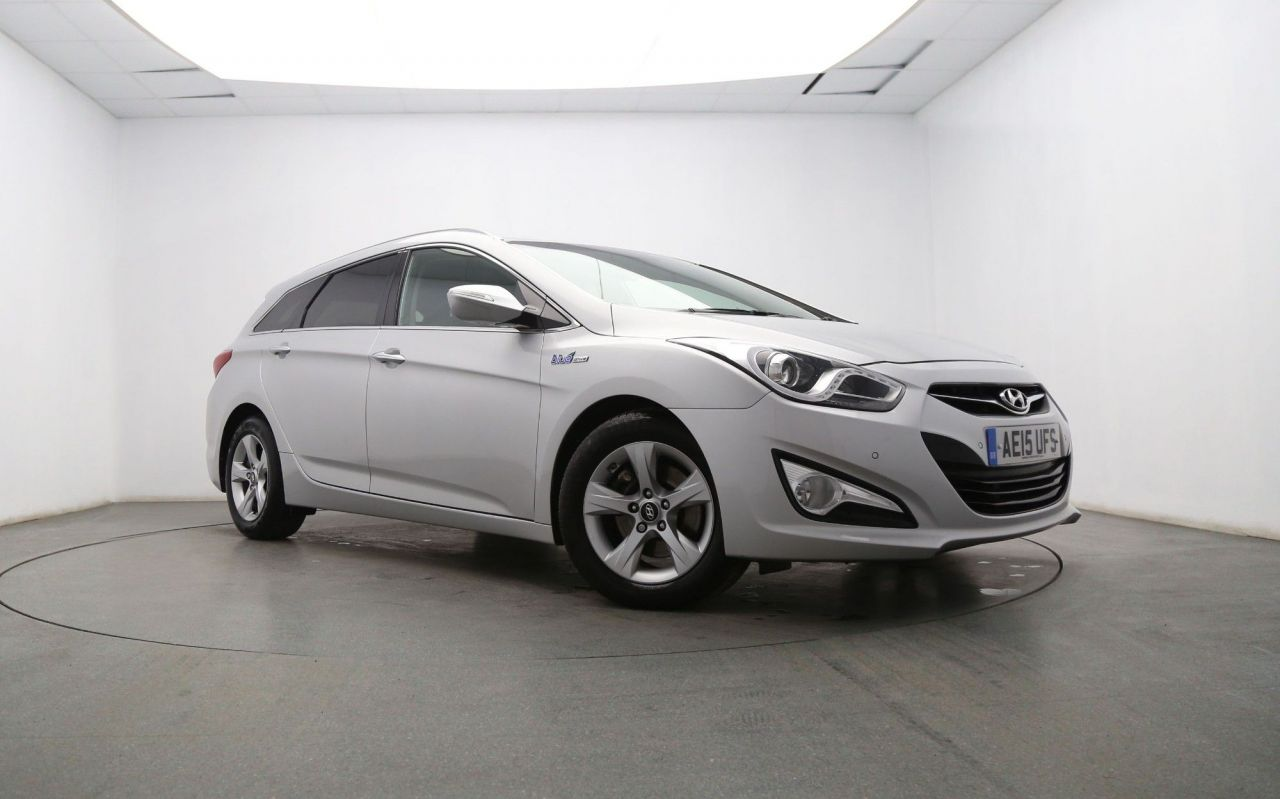 USED 2015 15 HYUNDAI I40 1.7 CRDI STYLE BLUE DRIVE 5d 134 BHP Sat Nav - Touch Screen