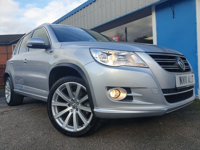 USED 2011 11 VOLKSWAGEN TIGUAN 2.0 R LINE TDI 4MOTION 5d 138 BHP ONLY 7401 MILES, 1 LADY OWNER