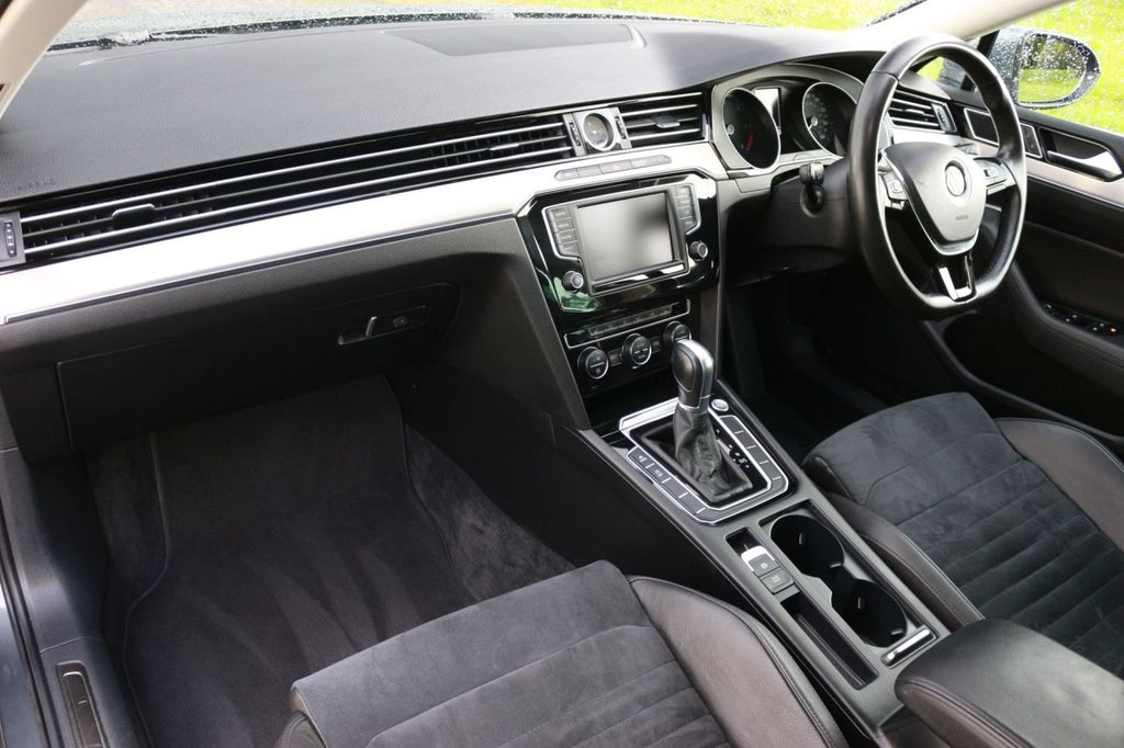 USED 2016 16 VOLKSWAGEN PASSAT 2.0 GT TDI BLUEMOTION TECHNOLOGY DSG 5d AUTO 148 BHP