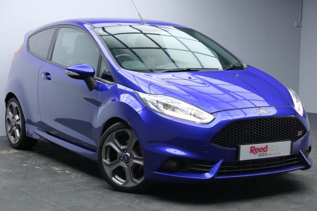 """USED 2014 14 FORD FIESTA 1.6 ST-2 3d 180 BHP 17""""ALLOYS+1/2 LEATHER+PRIV GLASS+SPORTS SUSPENSION+BLUETOOTH"""