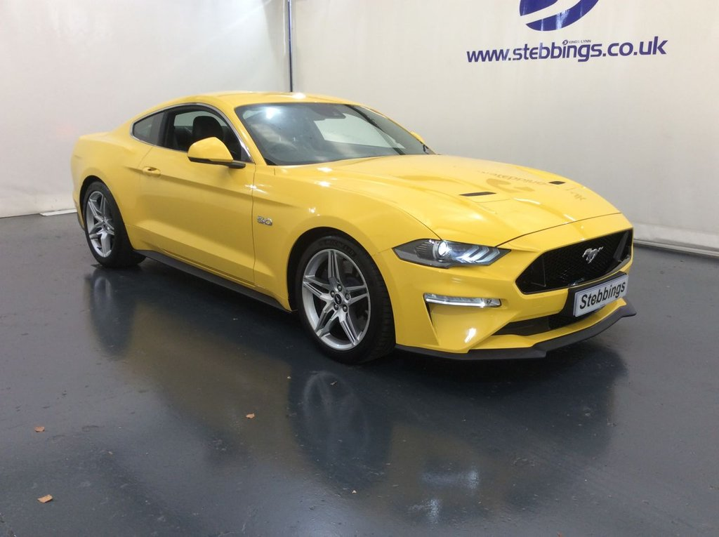 """USED 2018 68 FORD MUSTANG 5.0 GT 2d 444 BHP AUTOMATIC SYNC 3 SAT NAV, LEATHER, HEATED COOLING 6 WAY POWERED FRONT SEATS, SHAKER SOUND SYSTEM, DIGITAL INSTRUMENT PANEL,COLOUR TOUCHSCREEN MEDIA INTERFACE, DUAL ZONE CLIMATE CONTROL, CRUISE CONTROL, SVT PERFORMANCE PACK, ADAPTIVE DAMPING, LANE DEPARTURE WARNING, REAR VIEW CAMERA, REAR PARKING SENSORS, 10 SPEED AUTOMATIC, ILLUMINATED TREAD PLATES, AUTO LIGHTS AND WIPERS, KEYLESS ENTRY AND START, 19"""" DOUBLE SPOKE ALLOYS"""