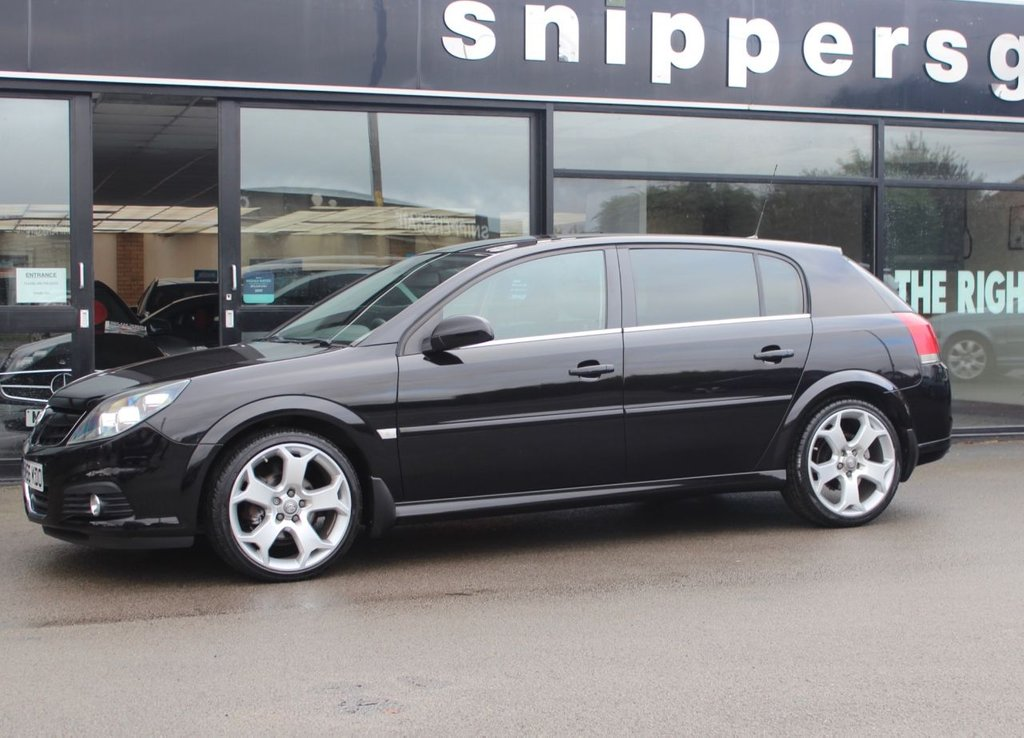 USED 2007 56 VAUXHALL SIGNUM 2.2 DESIGN 16V 5d 154 BHP Rare Low Mileage Vauxhall Signum Taken In Part  Exchange, Upgraded Music System, Bluetooth Phone, Remote Central Locking, Electric Windows, Multi Function Steering Wheel, Alloy Wheels, Privacy Glass,  2 Keys and Book Pack, Recently Serviced.