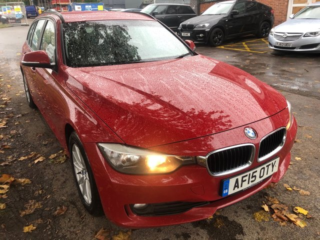 USED 2015 15 BMW 3 SERIES 2.0 320D EFFICIENTDYNAMICS BUSINESS TOURING 5d AUTO 161 BHP VERY CLEAN WELL MAINTAINED AUTO ESTATE.ONLY 1 OWNER FROM NEW .  EXCELLENT DOCUMENTED FULL  SERVICE HISTORY. FULL LEATHER INTERIOR. ALLOY WHEELS. PARKING SENSORS. HEATEDSEATS. AUX/USB. CRUISE CONTROL. CLIMATECONTROL. AIR CON. SAT NAV. 2 X KEYS