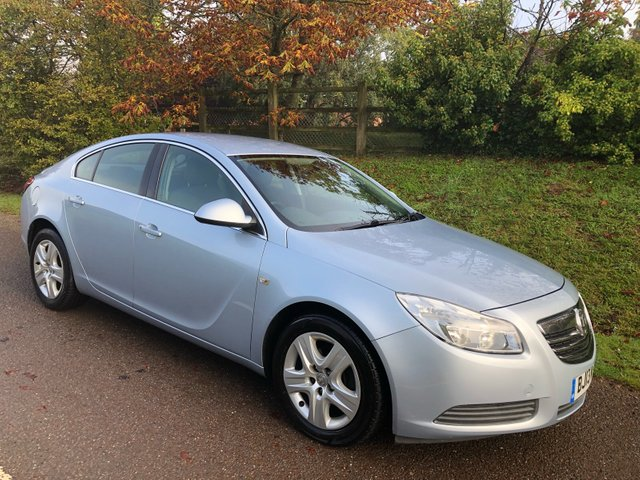 USED 2013 13 VAUXHALL INSIGNIA 1.8 EXCLUSIV 5d 138 BHP **LONG MOT**FULL SERVICE HISTORY**SUPERB DRIVE**