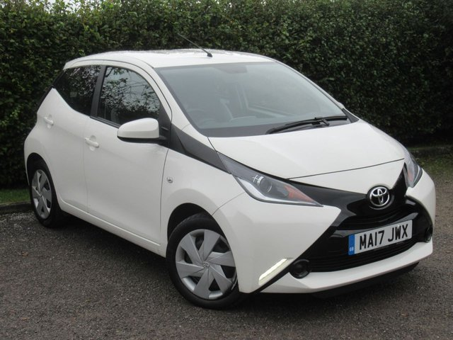 USED 2017 17 TOYOTA AYGO 1.0 VVT-I X-PLAY 5d  * FULL SERVICE HISTORY * LOW MILEAGE *