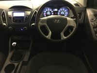 USED 2013 62 HYUNDAI IX35 1.6 STYLE GDI 5d 133 BHP Very, Very Nice Hyundai iX35 Style 1.6 GDI (Petrol) Finished In Stunning Sleek Silver Only 42,500 Miles With A Perfect 6 Stamp Service History Immaculate 17 Inch Twin Spoke Alloys, Air Conditioning, Bluetooth With Voice Control, USB And Aux In, Heated Seats Front And Rear