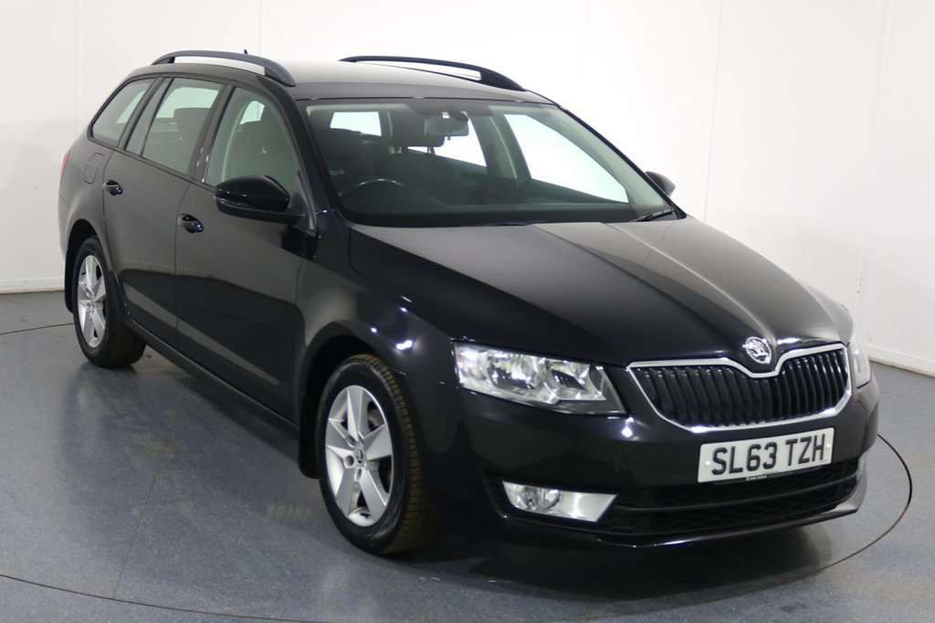 USED 2013 63 SKODA OCTAVIA 1.6 SE TDI CR 5d 104 BHP Demo and ONE OWNER with 7 Stamp SERVICE HISTORY