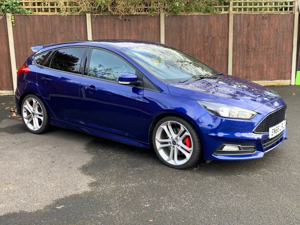 USED 2016 66 FORD FOCUS 2.0 ST-2 TDCI 5d 183 BHP A REALLY NICE EXAMPLE, COLOUR SAT NAVIGATION, HEATED FRONT SCREEN, ILLUMINATED SIDE PLATES, DEEP IMPACT BLUE PEARL PAINT,