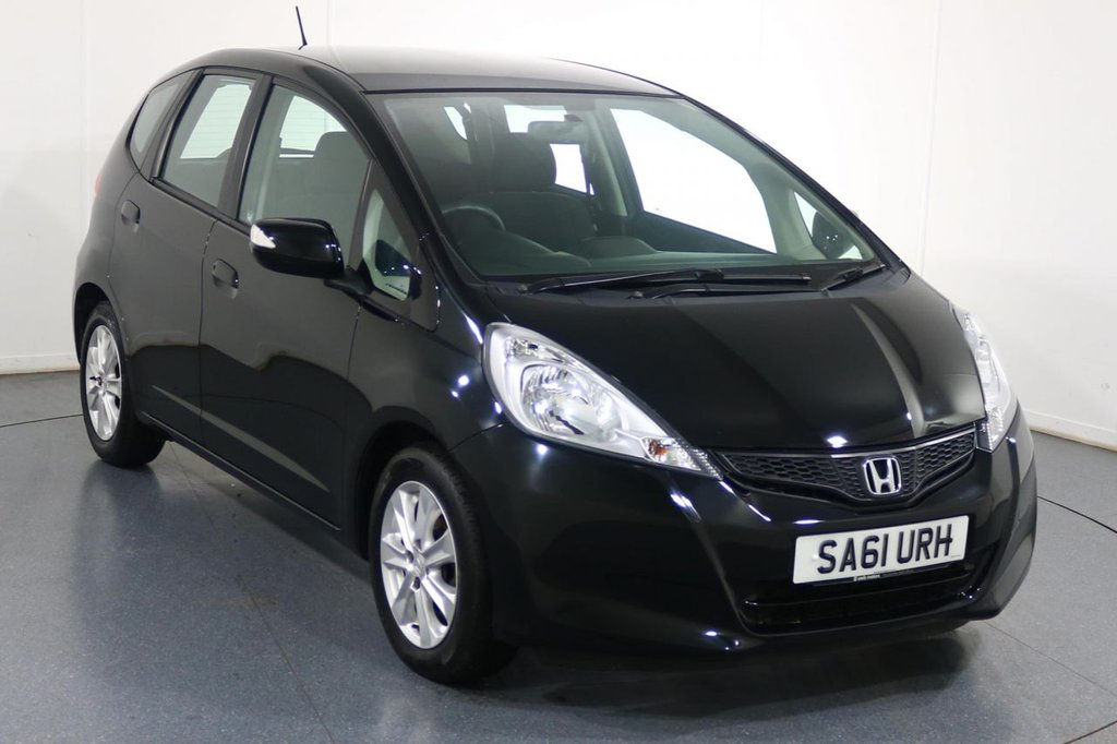 USED 2011 61 HONDA JAZZ 1.3 I-VTEC ES 5d AUTO 98 BHP ONE LADY OWNER with 7 Stamp SERVICE HISTORY