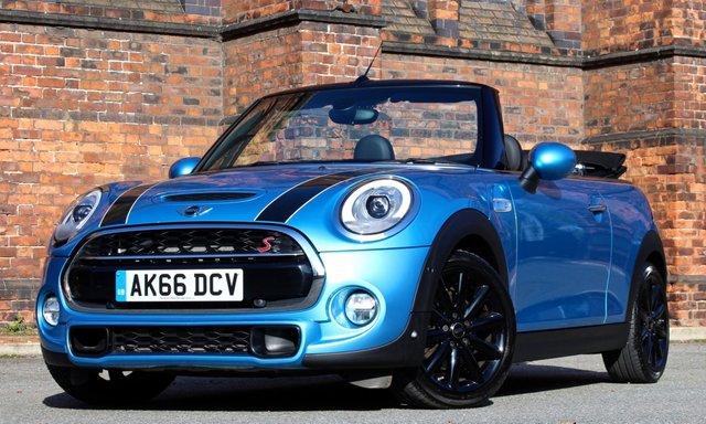2016 66 MINI CONVERTIBLE 2.0 COOPER S 2d AUTO 189 BHP [ SATNAV ]