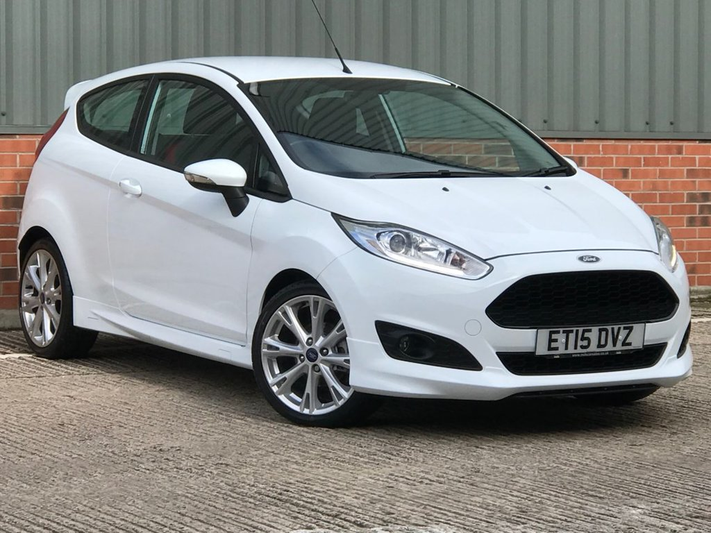 USED 2015 15 FORD FIESTA 1.0 ZETEC S 3d 139 BHP FANTASTIC LOW MILEAGE EXAMPLE