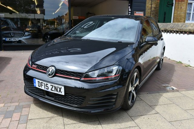 USED 2015 15 VOLKSWAGEN GOLF 2.0 GTI PERFORMANCE DSG 5d AUTO 226 BHP FULL LEATHER HEATED SEATS, DISCOVERY NAVIGATION PRO, PARK ASSIST, FRONT AND REAR PARKING SENSORS, XENON HEADLIGHTS, FULL MAIN DEALER SERVICE HISTORY