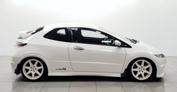 2009 HONDA CIVIC 2.0 I-VTEC TYPE-R CHAMPIONSHIP WHITE 3d 198 BHP £7950.00
