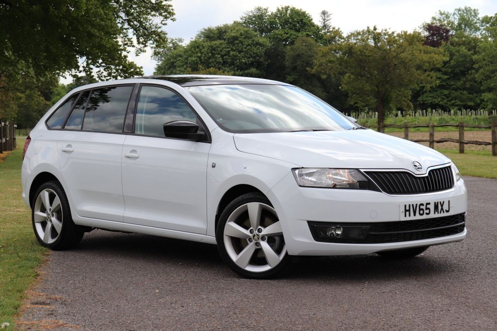 USED 2015 65 SKODA RAPID 1.6 SPACEBACK SE SPORT TDI CR 5d 104 BHP Skoda Rapid Spaceback 1.6 TDI CR SE Sport Spaceback 5dr Sat Nav +Cruise +Panoramic Roof + Fsh,