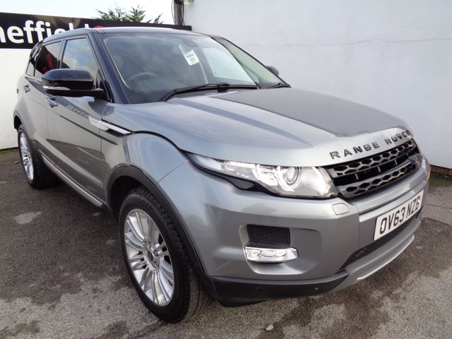 USED 2013 63 LAND ROVER RANGE ROVER EVOQUE 2.2 SD4 PRESTIGE LUX 5d AUTO 190 BHP AWD 4X4 4WD satellite navigation bluetooth panoramic roof parking sensors privacy glass full service history