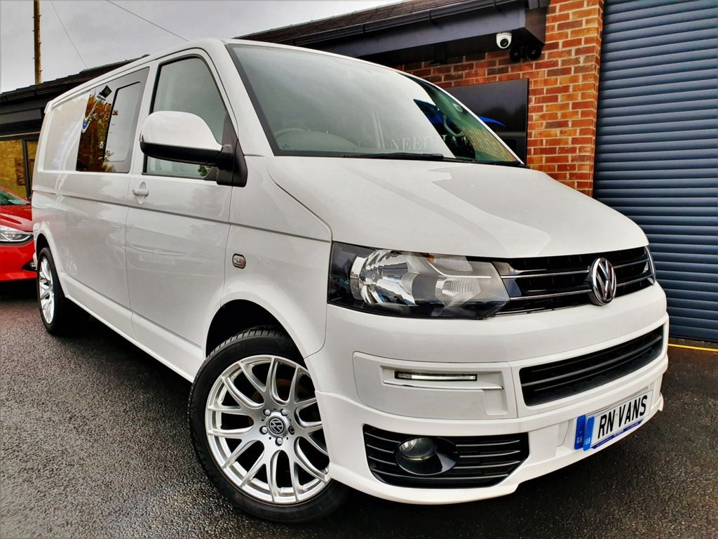 USED 2015 65 VOLKSWAGEN TRANSPORTER 2.0 T32 TDI KOMBI HIGHLINE AUTO 138 BHP *** RARE DSG - 1 PRIVATE OWNER - SAT NAV ***
