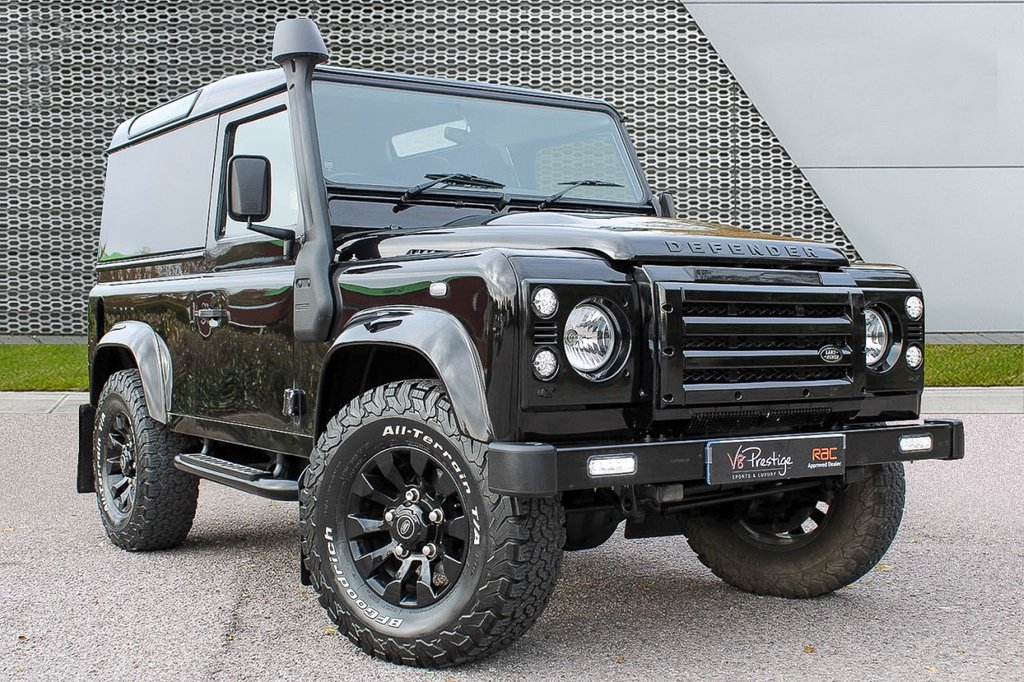 USED 2013 13 LAND ROVER DEFENDER 2.2 TD HARD TOP 122 BHP **CHELSEA URBAN TRUCK/REAR SEATS/NO VAT**