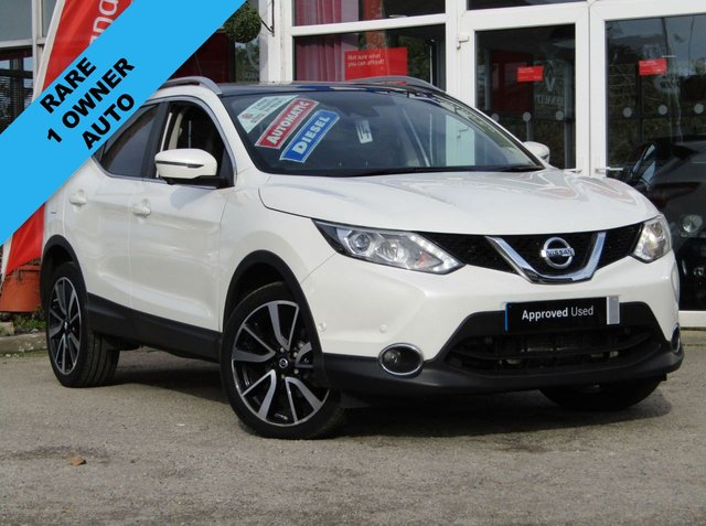 USED 2015 65 NISSAN QASHQAI 1.6 DCI TEKNA XTRONIC 5d AUTO 128 BHP STUNNING, NISSAN QASHQAI 1.6 DCI CVT TEKNA,128 BHP, AUTO. Finished in STORM WHITE PEARL with contrasting EBONY BLACK HEATED SEATS. The Qashqai is one of the best selling SUV's around at the moment. This facelifted Top of the range edition is comfy, easy to drive and has enough space for 5 adults. Features include, Full heated leather, Sat Nav, Pan Roof, 360 Reverse Cameras, DAB, B/Tooth and much more. Nissan Dealer serviced at 15220 miles, 45989 miles and will be serviced at point of sale.
