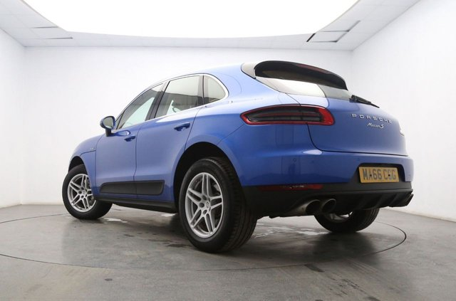 PORSCHE MACAN at Georgesons