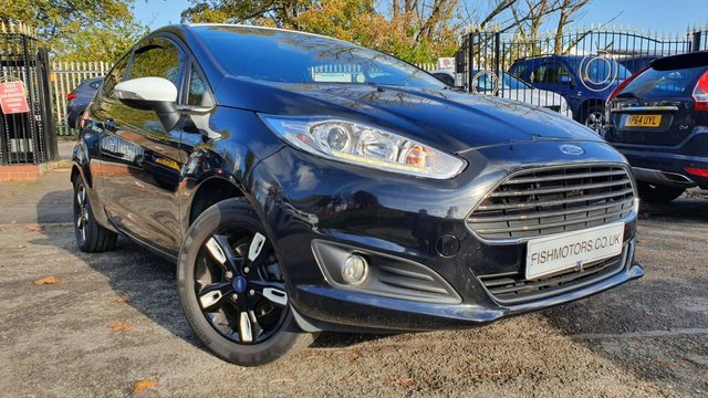 USED 2016 65 FORD FIESTA 1.2 ZETEC BLACK EDITION AUTUMN 3d 81 BHP PRIV GLASS+ALLOYS+MEDIA+ELECS+AIRCON+USB+HISTORY+CLEAN CAR+AUX+
