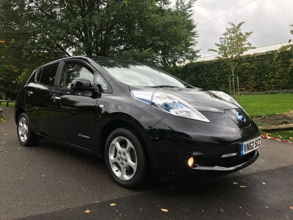 USED 2012 62 NISSAN LEAF 0.0 EV AUTO 5d AUTO 107 BHP Battery Owned (So No Monthly Charges),  6.6Kw Charging Port, Nissan Satellite Navigation Showing Nearest Charging Stations. ULEZ + Road Tax Free !!
