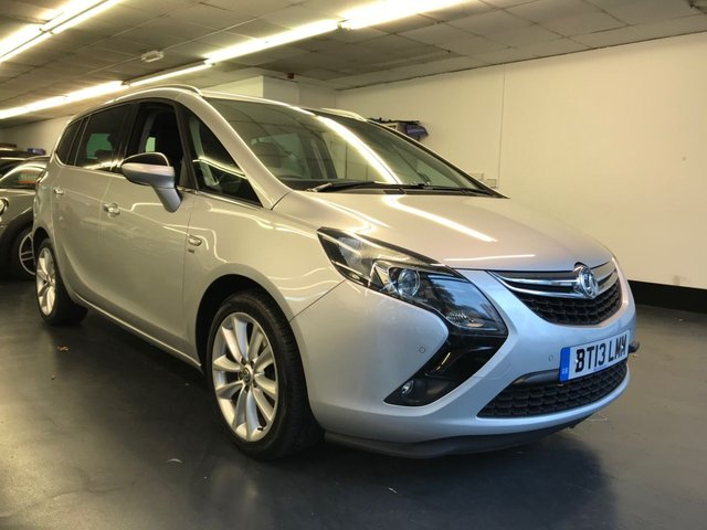 USED 2013 13 VAUXHALL ZAFIRA TOURER 2.0 SE CDTI 5d 128 BHP FULL VAUXHALL SERVICE HISTORY, FRONT AND REAR PARKING SENSORS, HALF LEATHER SEATS, AUTO LIGHTS.
